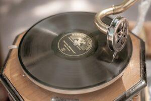 gramophone-4281060_640
